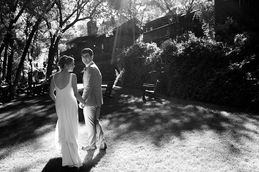 LAuberge de Sedona Wedding couple on the cottage lawn