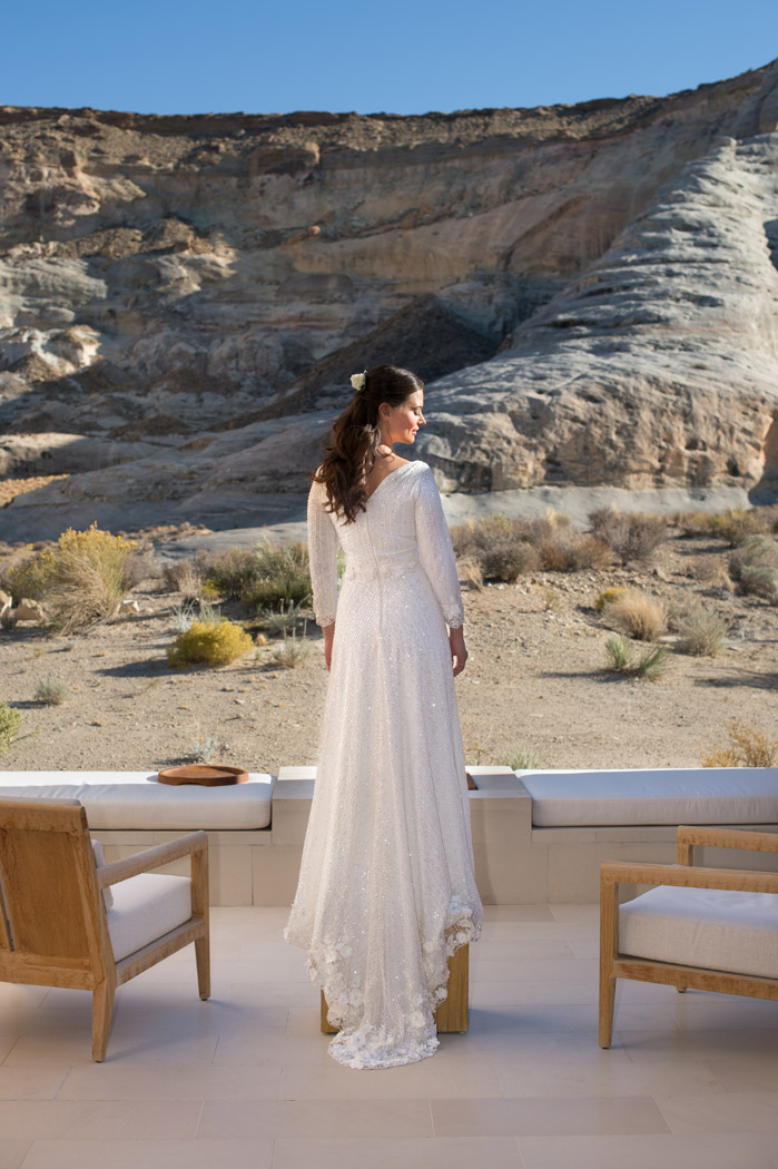 bride at amangiri with desert view in background