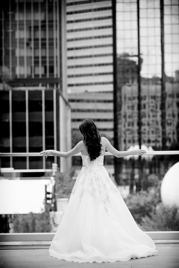 downtown dallas bride at the Joule