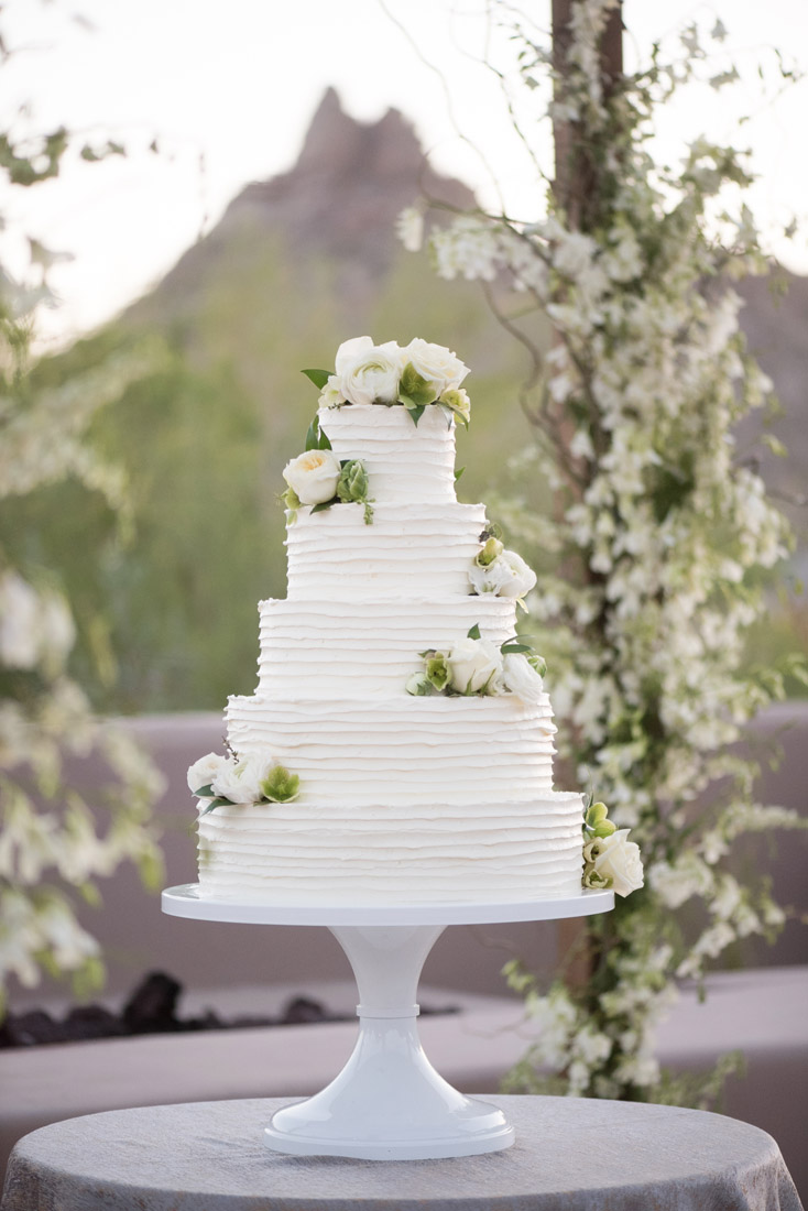 Four seasons Scottsdale wedding cake