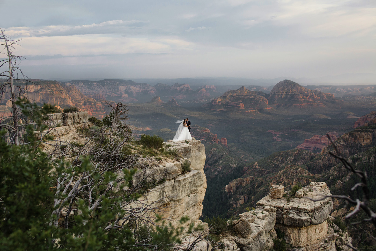 Sedona Red Rocks Wedding Couple Vista